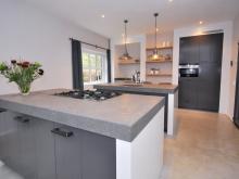 keukenhof-van-holten-en-twente-landelijke-handgeschilderde-woonkeuken-twello-1.jpg