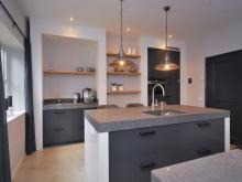 keukenhof-van-holten-en-twente-landelijke-handgeschilderde-woonkeuken-twello-4.jpg