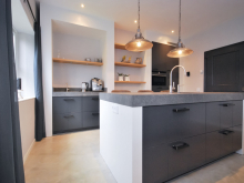 keukenhof-van-holten-en-twente-landelijke-handgeschilderde-woonkeuken-twello-5.jpg