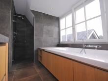 keukenhof-van-holten-badkamer-massief-eiken-landelijk-3.JPG