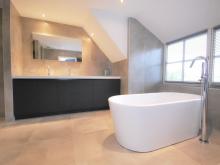 badkamer-keukenhof-van-holten-en-twente-modern-vrijstaandbad-maatwerk-10.jpg