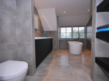 badkamer-keukenhof-van-holten-en-twente-modern-vrijstaandbad-maatwerk-12.jpg