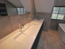 badkamer-keukenhof-van-holten-en-twente-modern-vrijstaandbad-maatwerk-2.jpg