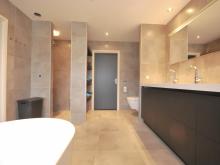 badkamer-keukenhof-van-holten-en-twente-modern-vrijstaandbad-maatwerk-7.jpg