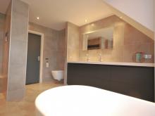 badkamer-keukenhof-van-holten-en-twente-modern-vrijstaandbad-maatwerk-8.jpg