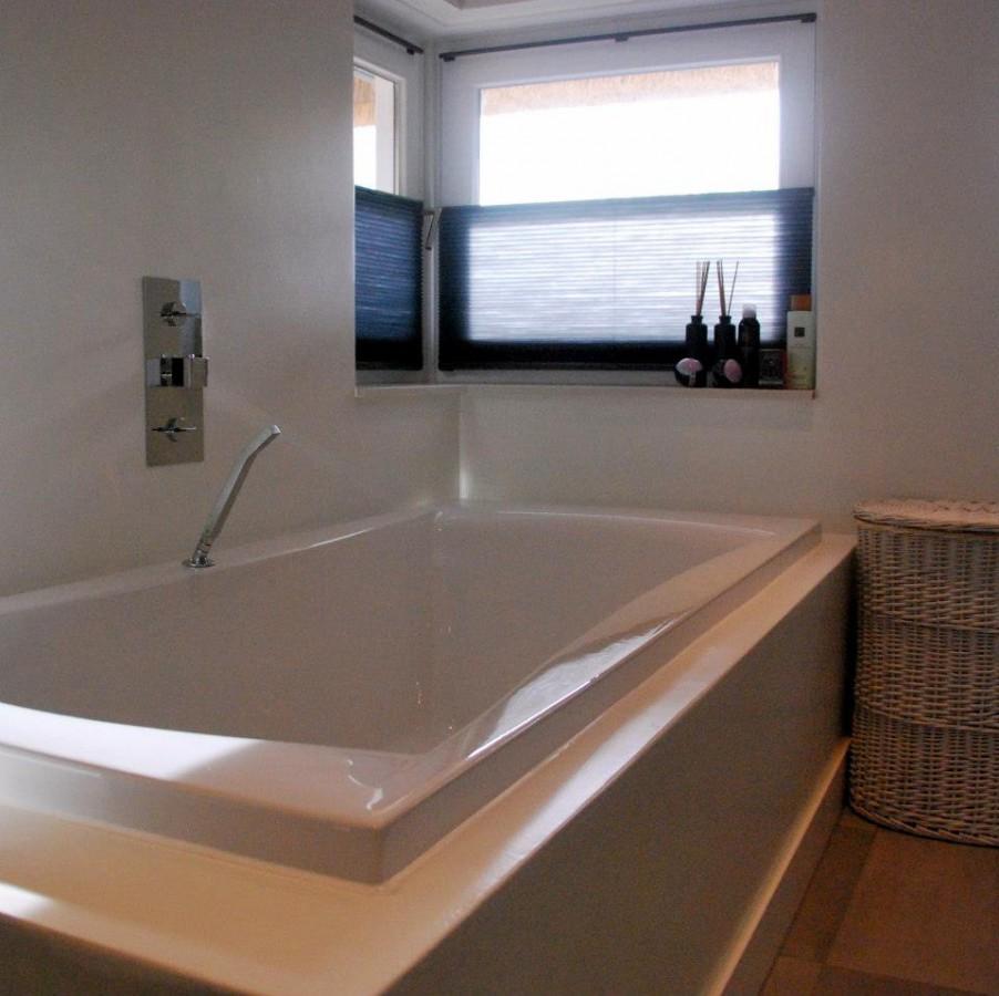 Badkamers keukenhof - Emaux van briare badkamer ...