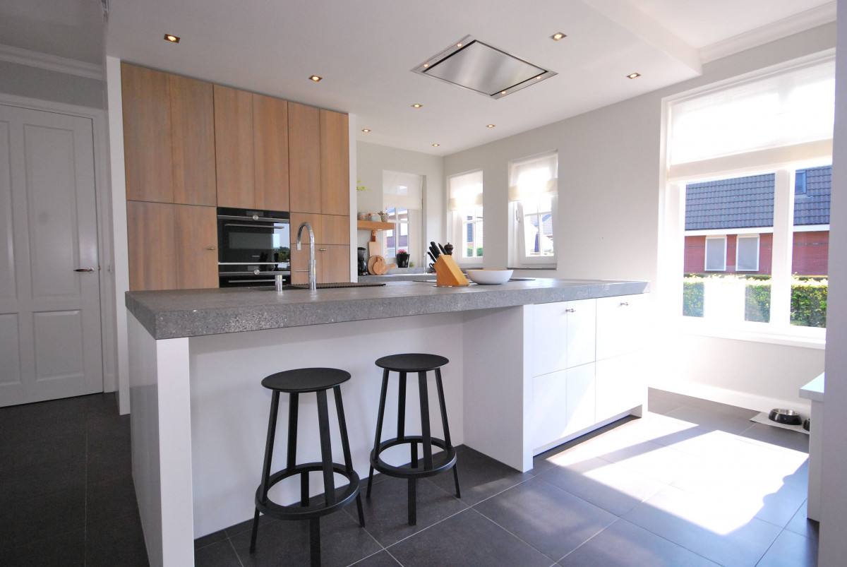 Modern landelijke woonkeuken rijssen keukenhof for Keuken landelijk modern