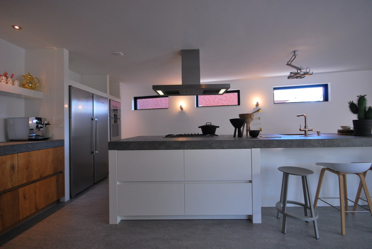 20170324 235716 keuken badkamer rijssen for Modern keukenhout