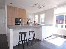 keukenhof-van-holten-keuken-woonkeuken-maatwerk-design-modern-eiken-handgeschilderd-1