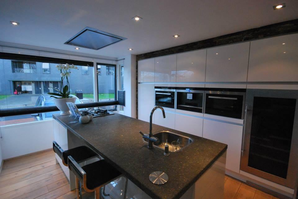 Badkamer badkamers delden galerij foto 39 s van binnenlandse en moderne binnenhuisarchitectuur - Moderne keuken muurdecoratie ...