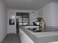 moderne-keuken-hoogglans2.JPG