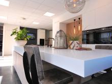 keukenhof-van-holten-twente-moderne-greeploze-woonkeuken-leefkeuken-corian-8.JPG