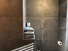 keukenhof-van-holten-twente-badkamer-modern-zwart-4