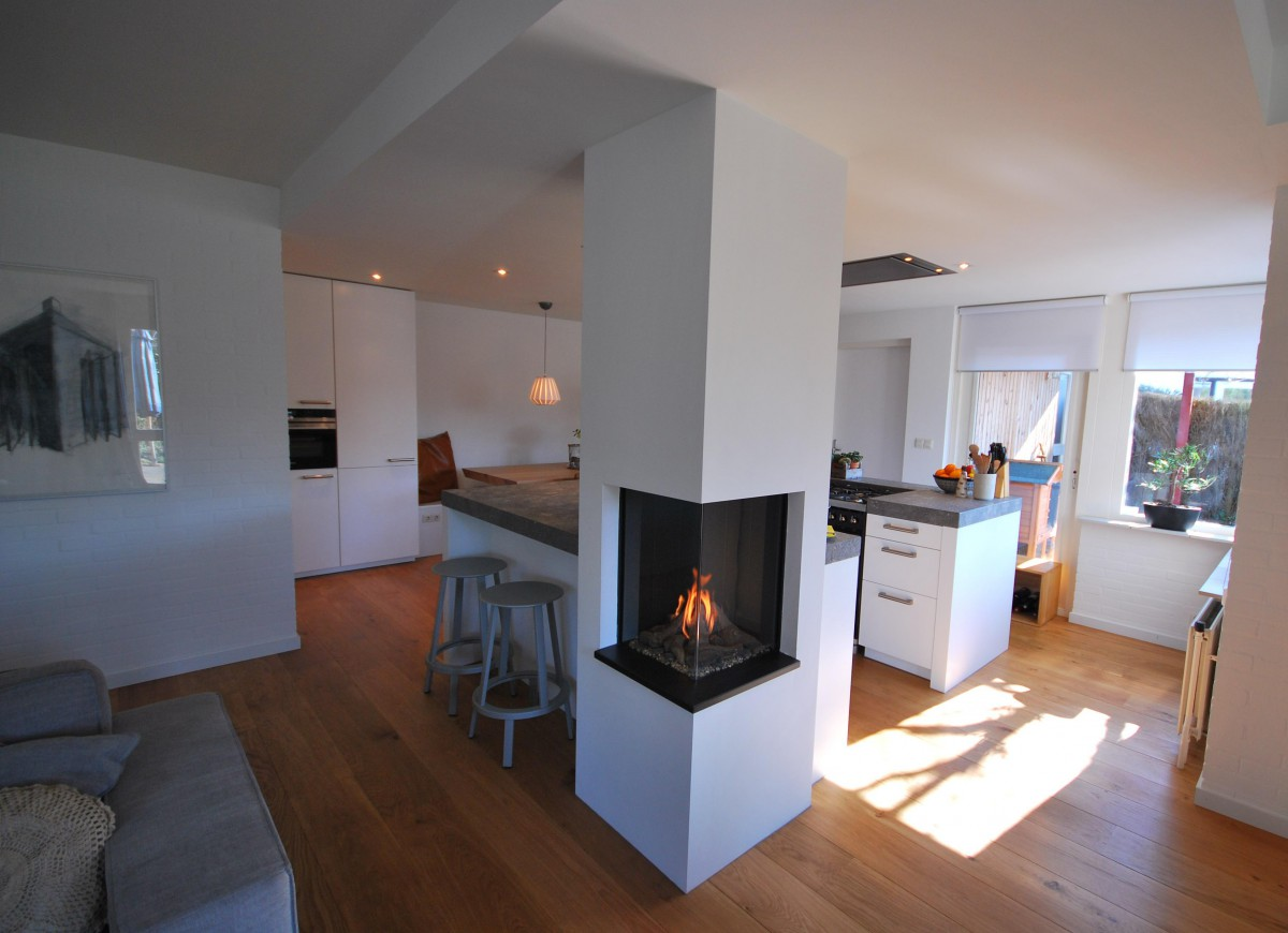 Moderne woonkeuken markelo keukenhof for Modern keukenhout