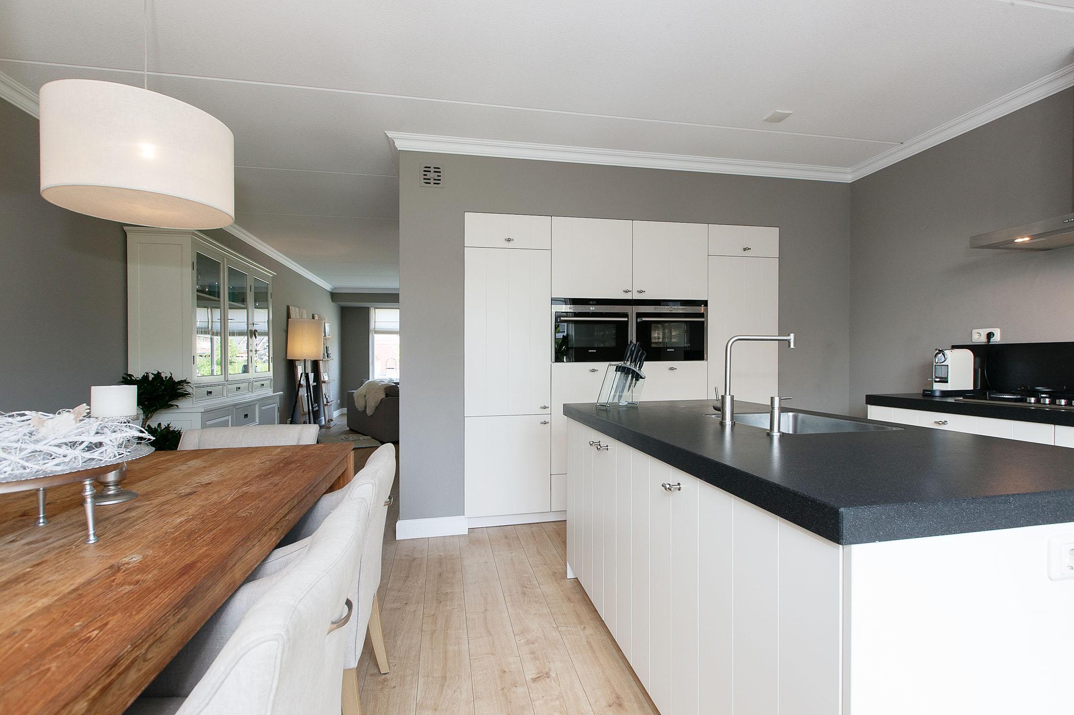 oude booyink badkamers: moderne keuken boerderij luvern in. witte, Badkamer