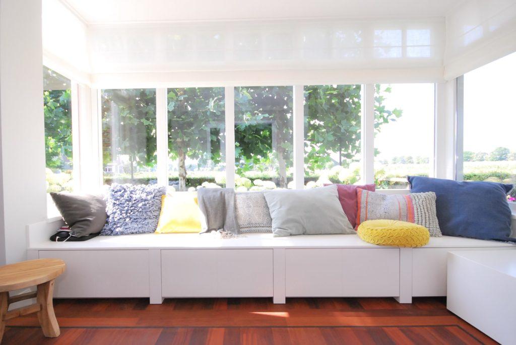 Maatwerk woonkeuken met handgeschilderde zithoek