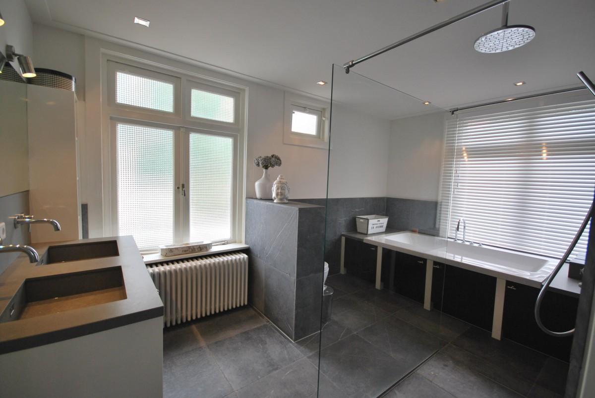 Badkamer modern landelijk landelijke badkamer inrichting inspiratie voorbeelden - Badkamer moderne badkamer ...