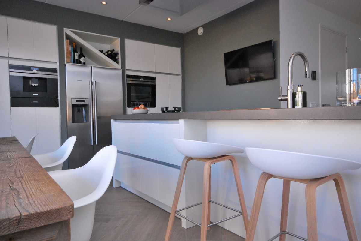 Keukens keukenhof for Modern keukenhout