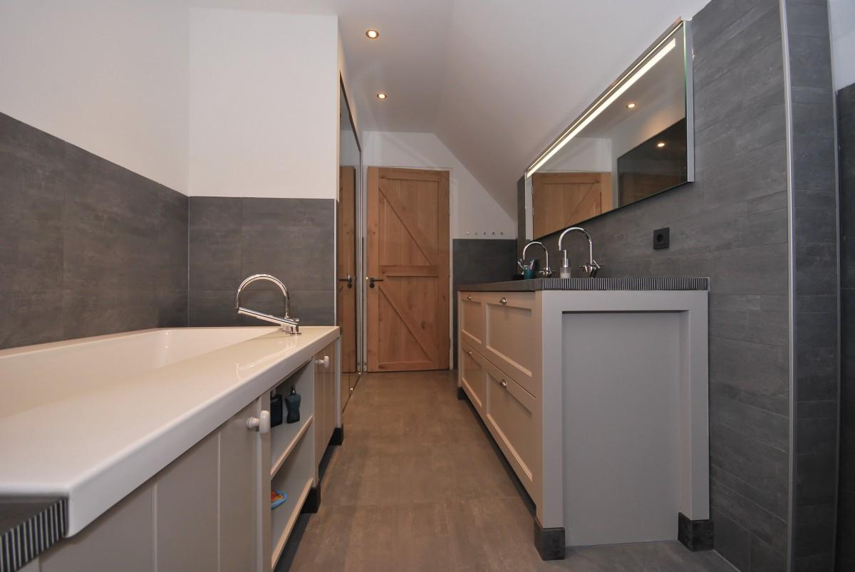 Badkamers En Keukens : Badkamers keukenhof