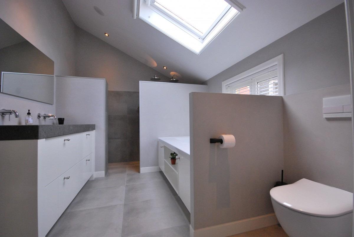 Handgeschilderde badkamer | Markelo