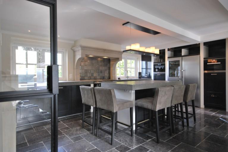 landelijke-woonkeuken-geschilderd-keukenhof-van-holten-1.JPG